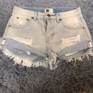 Distressed jean shorts NWOT